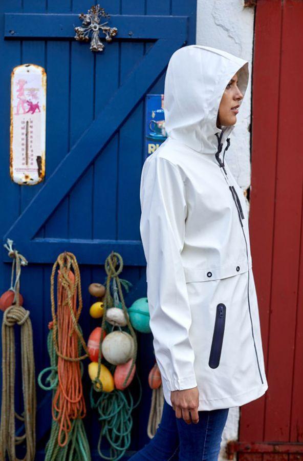 impermeable nautico mujer termosellado y semilargo batela blanco 3048 model2