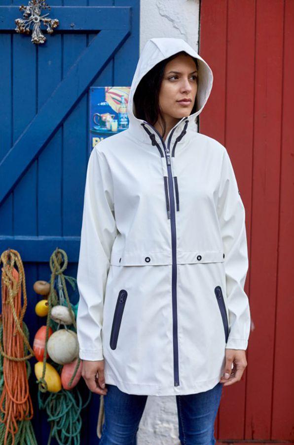 impermeable nautico mujer termosellado y semilargo batela blanco 3048 model1