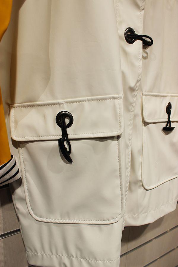 impermeable nautico mujer batela blanco y amarilo 3047 bolsillo
