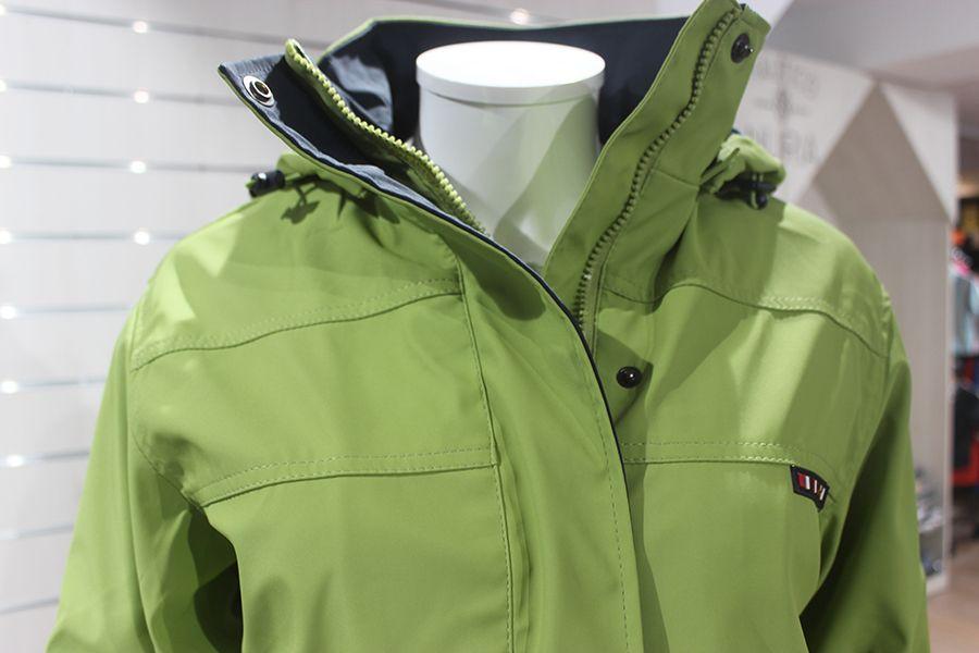 impermeable mujer color verde pistacho batela nautico nuria 3001 cuello